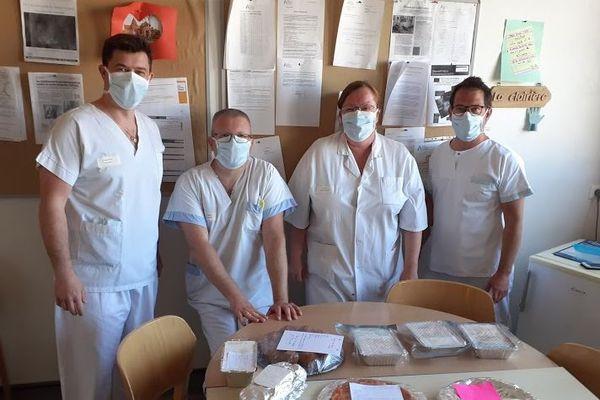 Avec l'équipe hospitalière