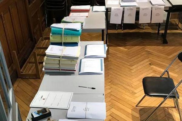 Les avocats s'organisent pour déposer en groupe leurs dossiers auprès des juridictions, dont l'activité reprend doucement