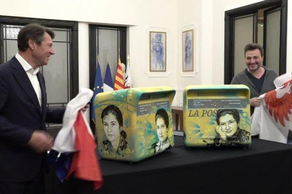 Christian Estrosi et l'artiste C215 (Christian Guémy) dévoilent les deux boites à lettre qui seront installés dans Nice.