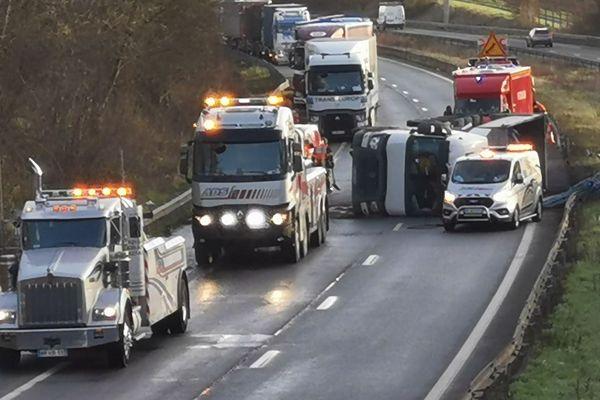 Un camion couché sur l'A2 ce lundi matin