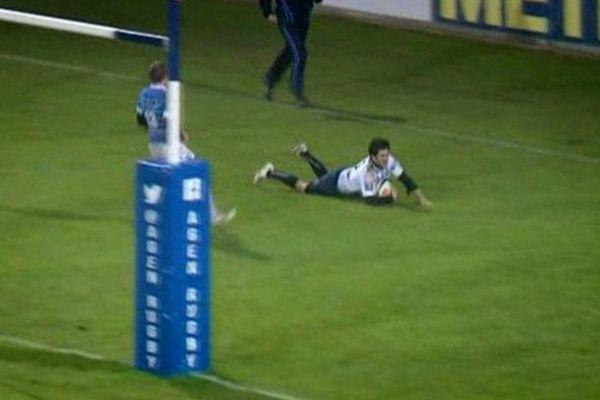 Mathieu Lamoulie marque un essai contre Aurillac