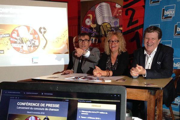 Lancement de la troisième édition de d'Stimme au Kneckes de Strasbourg en présence des responsables de France Bleu Elsass et de l'Olca.