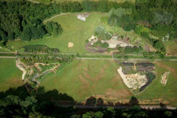 Le Jardin pour La Terre propose 2000 variétés et 700 espèces de plantes replacées dans leur pays d'origine.