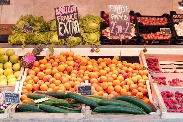 Un étal de fruits et légumes. Appétissants mais de plus en plus chers ?