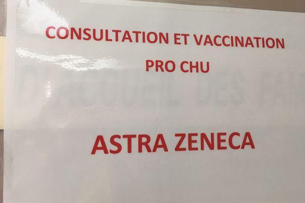 En ce moment, seul le vaccin AstraZeneca est proposé au personnel du CHU.
