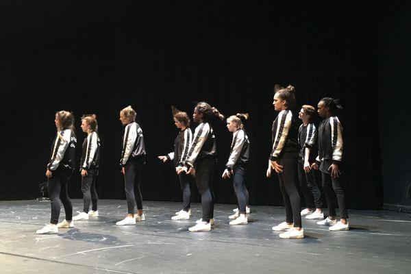 """Les jeunes élèves de l'école clermontoise de hip-hop Hémysphère ont gagné le droit de concourir à Los Angeles pour le """"world of dance""""."""