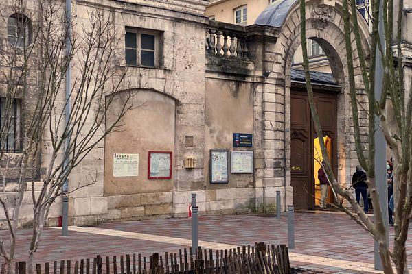 Ecole élémentaire (publique) Marie Houdemare rue Beffroy à Rouen