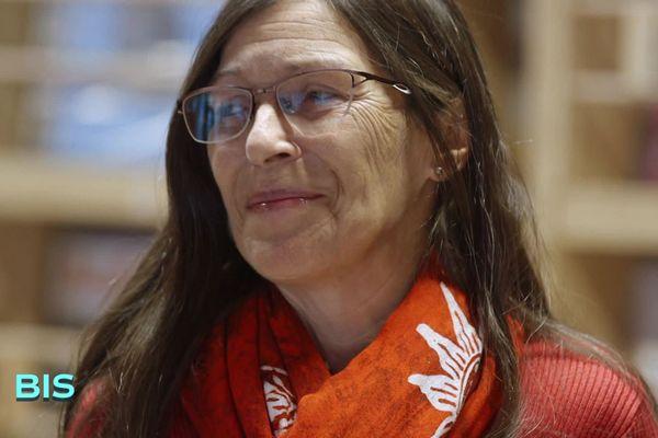 Marie Bourgoin, documentaliste à la Fanzinothèque de Poitiers