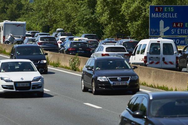 Sur l'autoroute A7 notamment, des bouchons sont à prévoir sur le week-end.