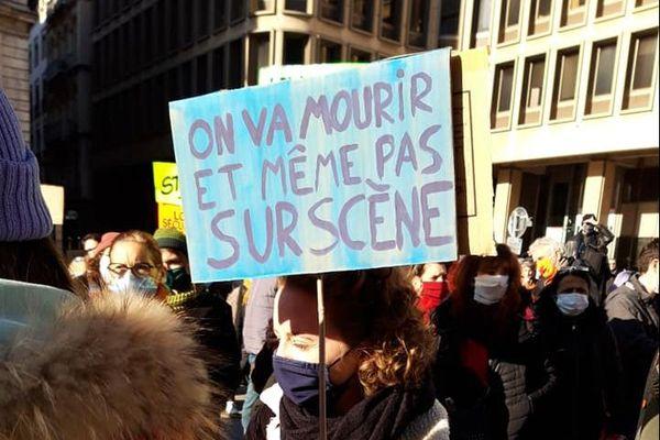 A Lyon, les manifestants se sont retrouvés devant l'Opéra avant de se réunir en assemblée générale