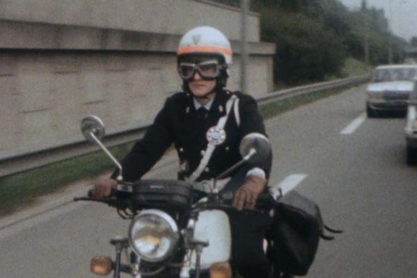 Découvrez à Lille, la première femme motarde de la police nationale