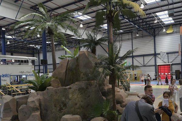 """Biennale d'art contemporain de Lyon le 16 septembre 2019 -L'œuvre """"Crash park circus"""" de Philippe Quesne exposée sur le site des usines Fagor dans le cadre de la biennale d'art contemporain de Lyon le 16 septembre 2019"""