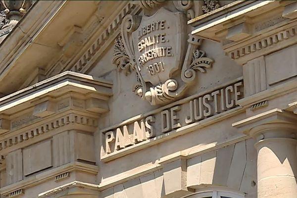 L'audience avait eu lieu le 27 juin dernier la décision a été rendue aujourd'hui, le tribunal de grande instance de Belfort se déclare incompétent et ne tranche donc pas sur la validité du plan social à GE, un revers pour les salariés qui toutefois n'ont pas l'intention de renoncer.