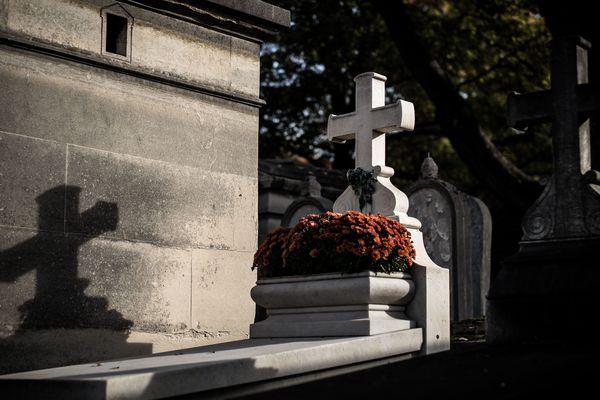 Le confinement n'a pas permis aux familles de dire adieu à leurs proches décédés. Plusieurs initiatives en Ardèche permettent de le faire lors du déconfinement.