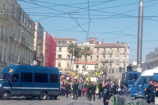 Les manifestants près de la gare de Montpellier