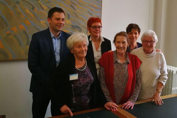 Les mamies de l'EHPAD d'Audincourt ont rencontré les députés Frédéric Barbier et également Ian Boucard (ici sur cette photo).