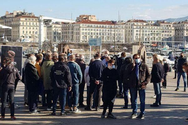 Marseille (Bouches-du-Rhône) - une centaine de restaurateurs catalans dans les rues - 26 novembre 2020.
