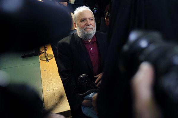 Bernard Preynat s'était présenté le 13 janvier 2020 au tribunal de Lyon afin d'y être jugé pour des faits d'agressions sexuelles à caractère pédophiles, commises sur de jeunes scouts du diosèce de Lyon.