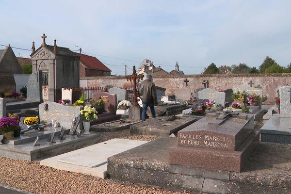 Le cimetière d'Harbonnières dans la Somme