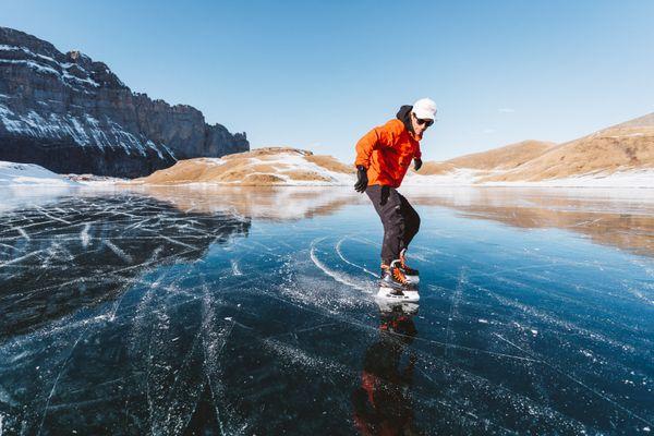 Le free rider Léo Slemett a utilisé le lac d'Anterne comme nouveau terrain de jeu.