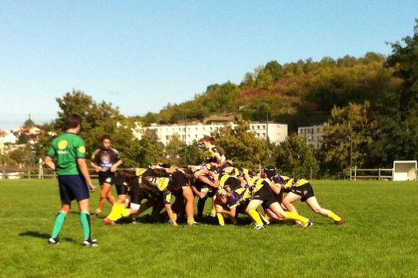 Pour Romagnat, l'objectif cette année est d'atteindre les phases finales et de monter dans le top 8 du rugby féminin.