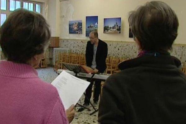 Choeur en répétition en vue de son et lumière consacré à Sainte-Bernadette à Nevers en juillet prochain