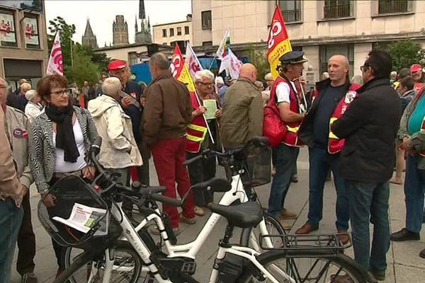 Rassemblement de retraités devant le théâtre des Arts de Rouen le 14 juin 2018