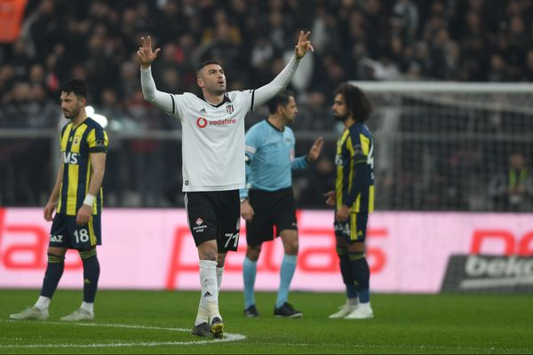 Burak Yilmaz (35 ans) est attendu à Lille dans les prochains jours.