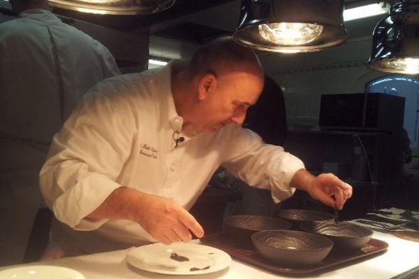 Bernard Bach, chef du restaurant Le Puits St Jacques (2 étoiles) à Pujaudran dans le Gers