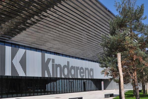Communistes et Europe Ecologie-les Verts ont rappelé leur opposition au contrat de naming avec kinder-Ferrero.