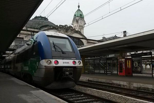 La fréquentation baisse avec le confinement mais 80 % des TER sont assurés en semaine en Nouvelle-Aquitaine