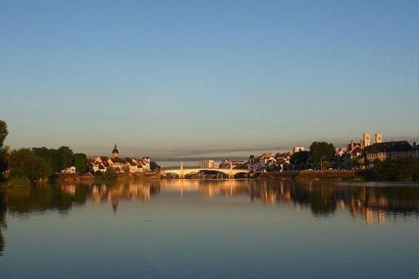La ville de Chalon-sur-Saône, en Saône-et-Loire, compte près de 50 000 habitants