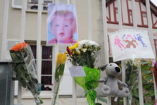 Bastien, 3 ans, était mort dans un lave-linge en marche en 2011. Il y avait été placé par son père qui voulait le punir pour mauvais comportement.