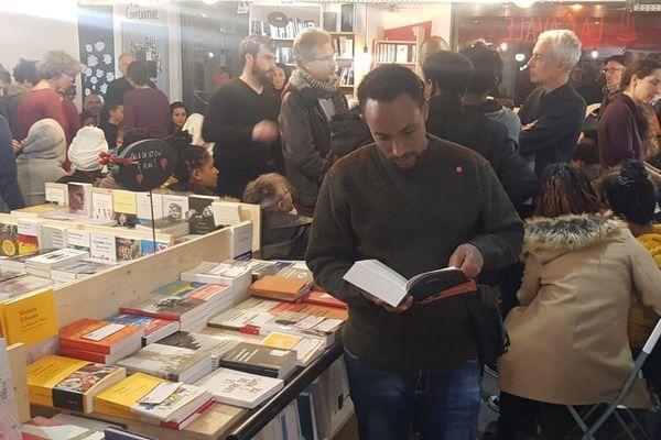 La librairie la Cavale et la Croix Rouge de Montpellier sont partenaires pour offrir des livres aux 47 jeunes réfugiés d'Afrique accueillis dans le cadre d'un programme de l'ONU. 5/02/2020