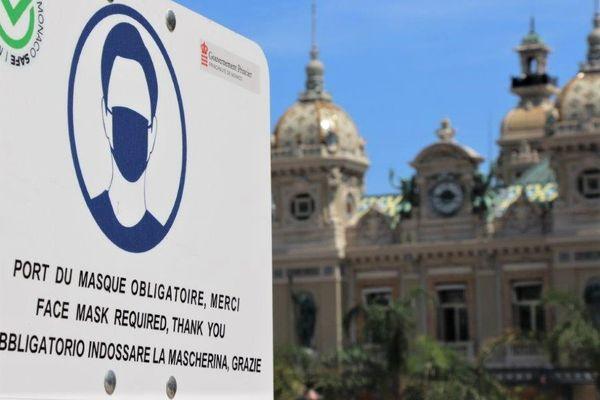 Les affichettes comme celles-ci ont fleuri à Monaco ces derniers jours