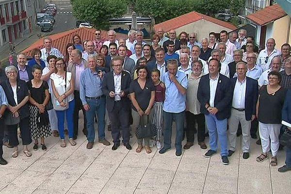 Prats-de-Mollo (Pyrénées-Orientales) : des maires de Catalogne poursuivis par la justice espagnole pour avoir permis le référendum du 1er octobre accueillis par des élus catalans du sud - 24 juillet 2018.
