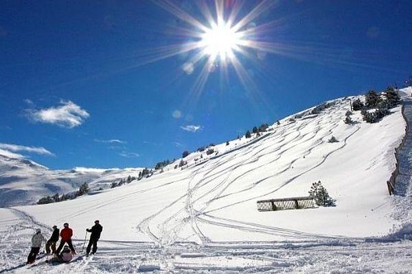 Puigmal (Pyrénées-Orientales) - la station de ski de Cerdagne 2900 - archives