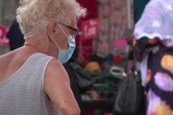 Depuis le lundi 20 septembre, le port du masque n'est plus obligatoire dans les établissements, lieux et services de l'Oise, où le pass sanitaire est requis.