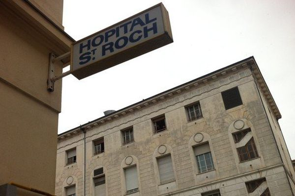 Le chauffeur de Mme Pastor était hospitalisé au centre hospitalier Saint-Roch à Nice.