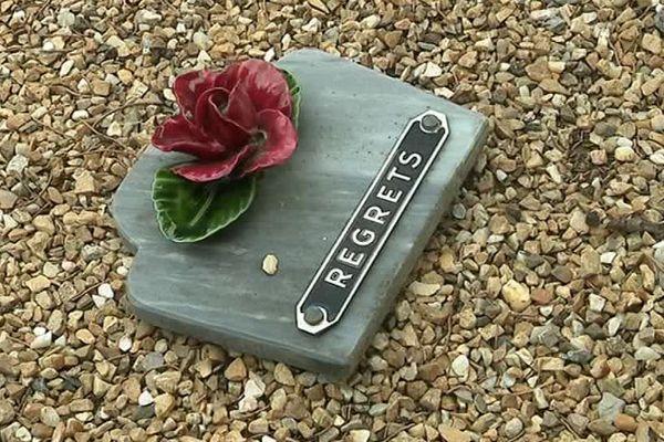 Plusieurs tombes du cimetière de Vendargues ont été vandalisées dans la soirée du 24 au 25 décembre.