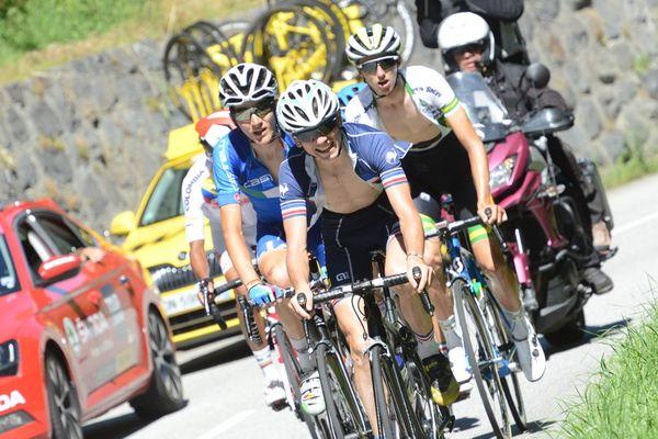 Pendant l'édition 2016 du Tour de l'Avenir 2016, David Gaudu au premier plan