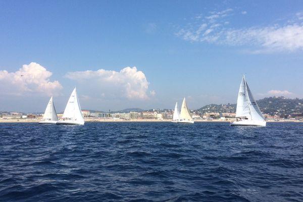 La météo clémente a accueilli le départ des bateaux ce dimanche.