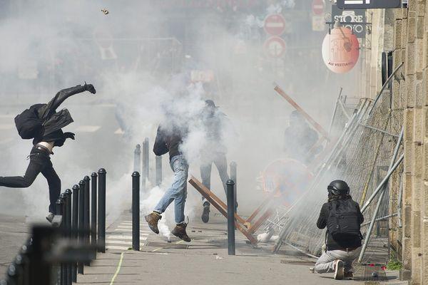 Affrontements à Nantes, le 31 mars 2016.