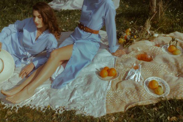 """Toulouse - Dans la gamme de vêtements de protection solaire UPF 50 de la marque """"Ombrelle"""", des modèles exclusivement féminins."""