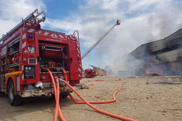 Samedi déjà à Istres, un violent incendie avait visé l'entreprise Suez, sur des entrepôts.