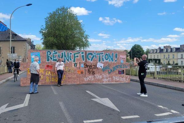 Mur symbolique de la réunification de la Bretagne