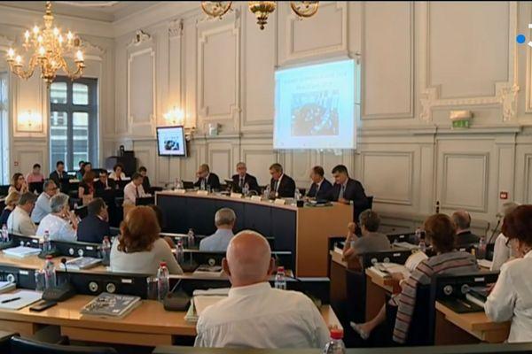 Le Conseil Départemental qui alloue chaque année 60 M d'€uros pour le RSA va voter une rallonge de 3,5 M d'€uros pour faire face aux nouvelles demandes d'allocation