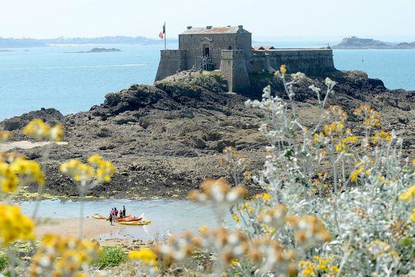 Le Fort du Petit Bé, loué par son propriétaire afin de financer les travaux de restauration