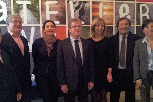 Montpellier - les colistiers de la société civile de la liste socialiste entourant Jean-Pierre Moure- 19 février 2014.