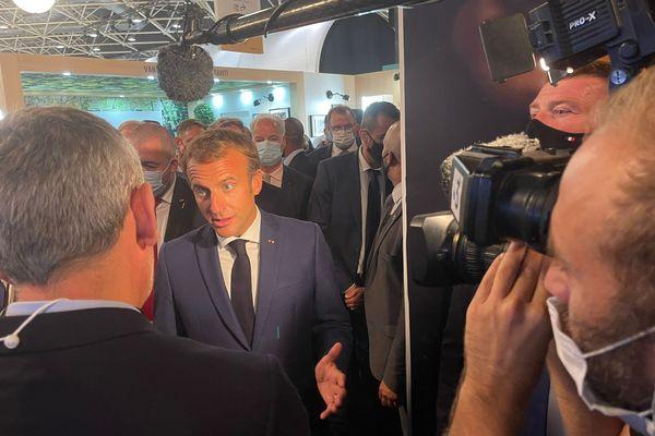 Emmanuel Macron a répond aux questions d'Olivier Michel au Sirha de Lyon le 27 septembre 2021